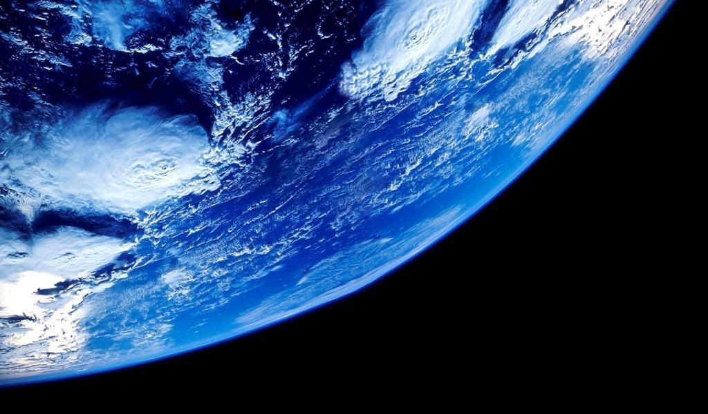 4分之一的地球电脑壁纸大图