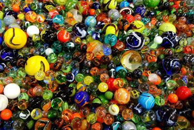 好看的的玻璃弹珠玩具图片