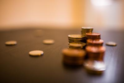 金闪闪的硬币图片壁纸下载