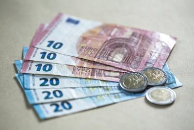 高清小额欧元现金图片