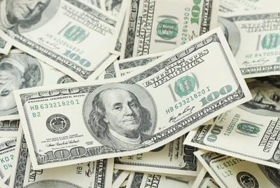 100美元钞票壁纸图片