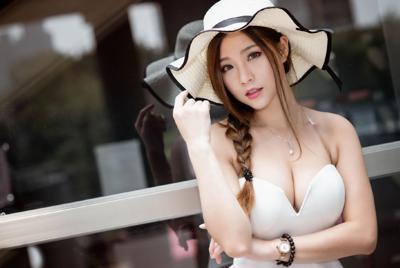 精美黑发长发美女白裙户外摄影美女高清壁纸