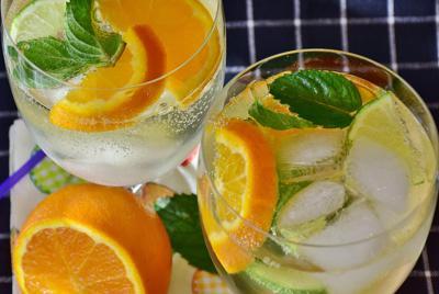 精美鸡尾酒柠檬图片高清电脑壁纸