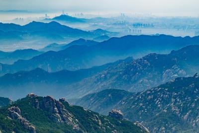 宁静的自然景色群山电脑壁纸