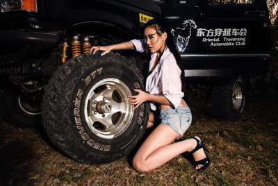 福特改装车车模美女李一丹高清壁纸
